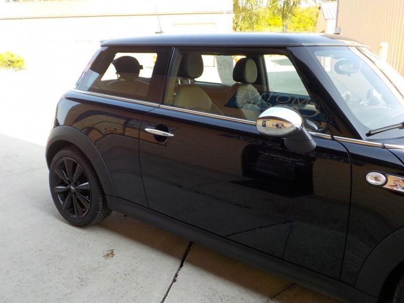 Mini Cooper Hardtop 2012 price $8,750