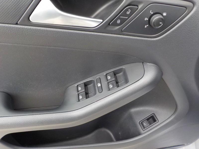 Volkswagen Jetta 2015 price $8,750