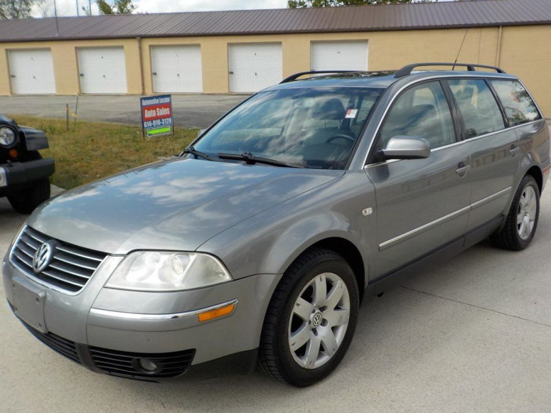 Volkswagen Passat 2003 price $2,900
