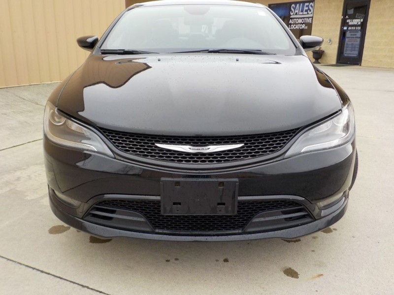 Chrysler 200-Series 2015 price $9,450