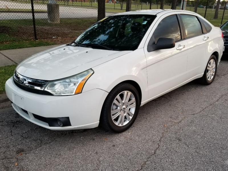Ford Focus 2011 price $5,999 Cash