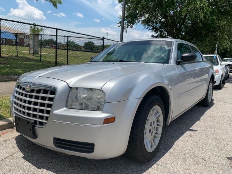 Chrysler 300 2006 price $3,500 Cash
