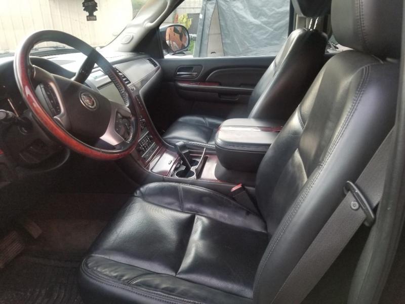 Cadillac Escalade 2007 price $10,998 Cash