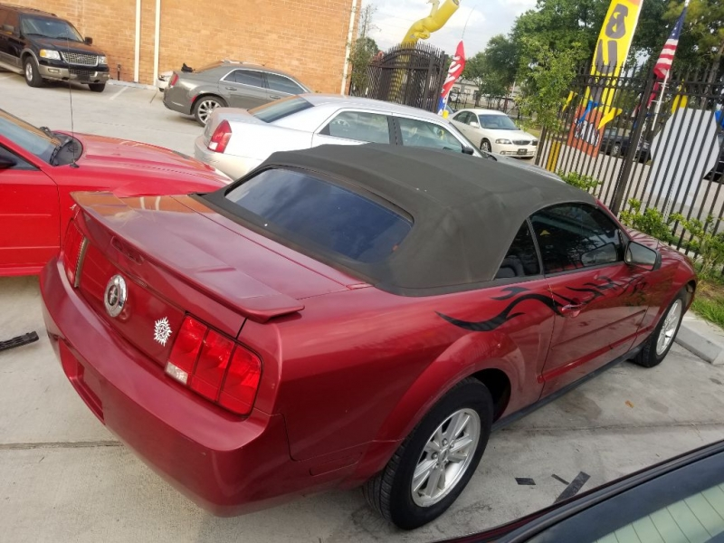 Ford Mustang 2007 price $5,995 Cash