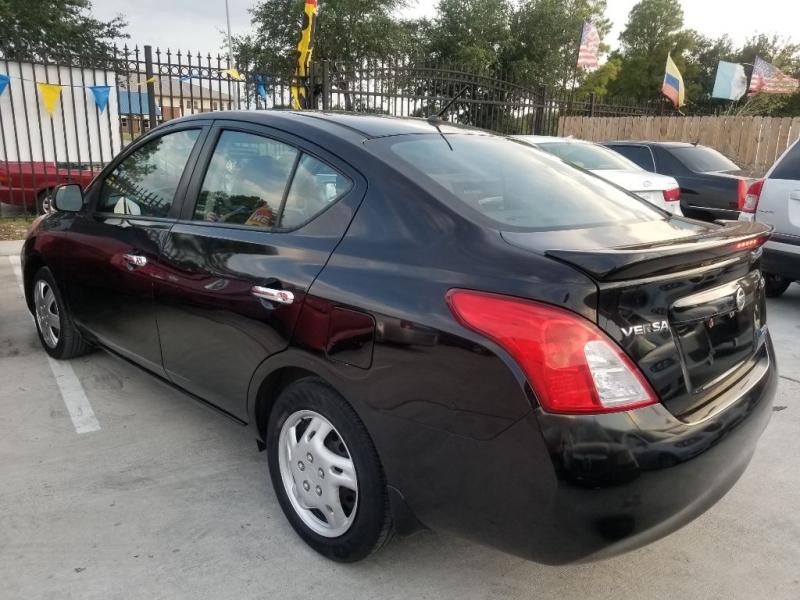 Nissan Versa 2013 price $5,999 Cash