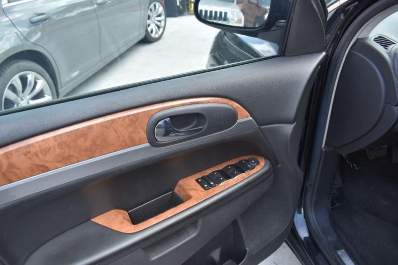 Buick Enclave 2009 price $7,995 Cash