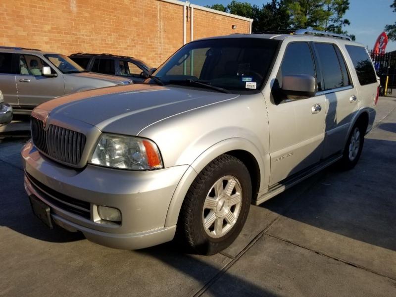 Lincoln Navigator 2006 price $5,995 Cash