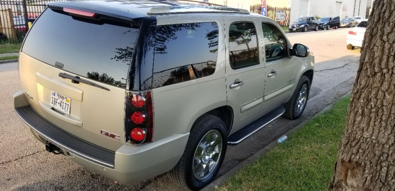 GMC Yukon Denali 2007 price $10,995 Cash