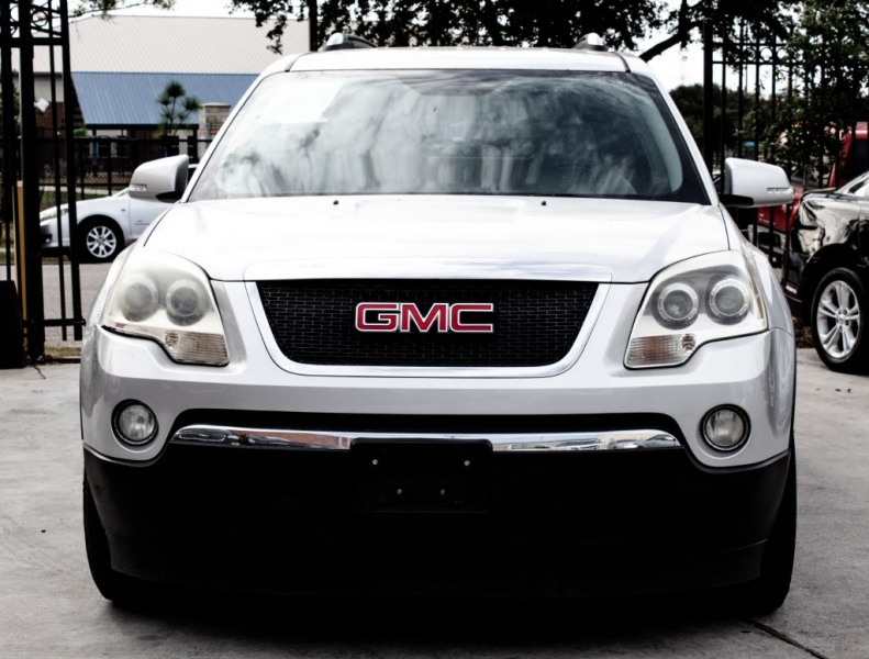 GMC Acadia 2009 price $7,999 Cash