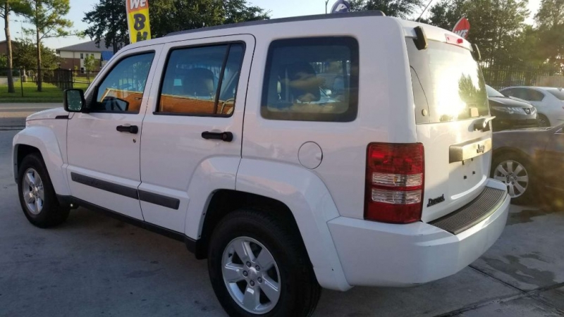 Jeep Liberty 2012 price $7,995 Cash