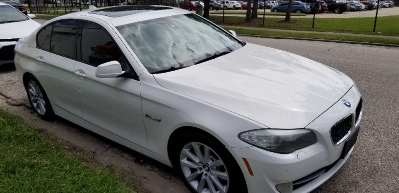 BMW 5-Series 2011 price $9,999 Cash