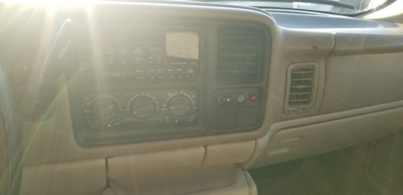 GMC Yukon 2002 price $3,998 Cash