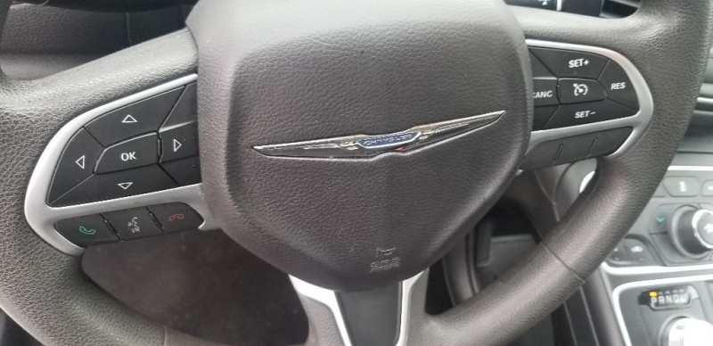 Chrysler 200 2015 price $8,995 Cash