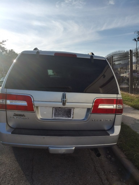 Lincoln Navigator 2010 price $7,499 Cash