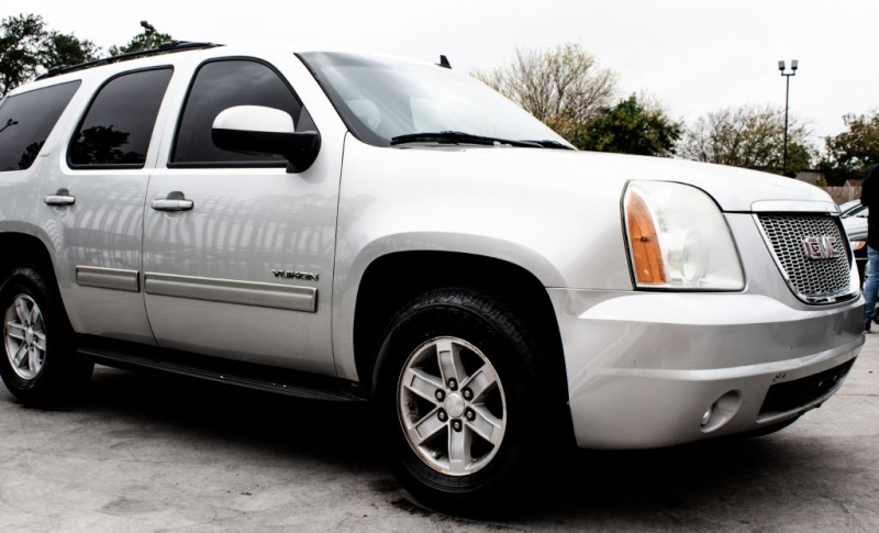 GMC Yukon 2011 price $10,995 Cash