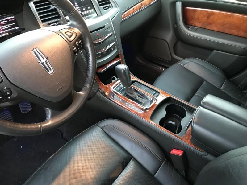 Lincoln MKS 2013 price $16,499 Cash