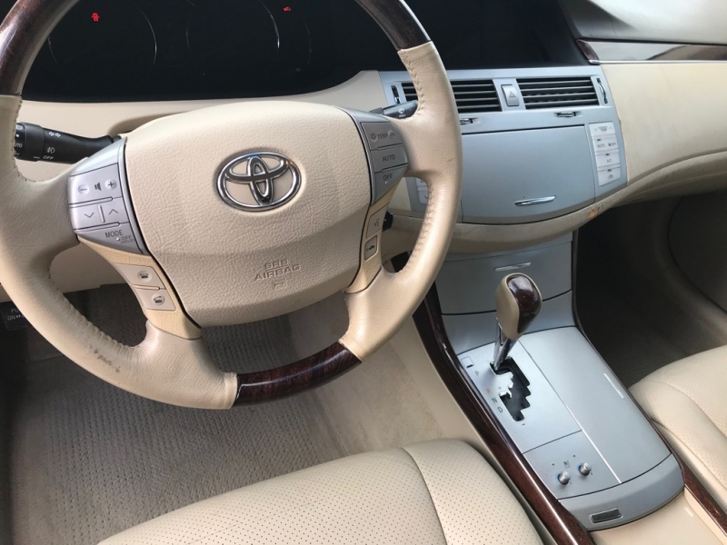 Toyota Avalon 2008 price $8,999 Cash