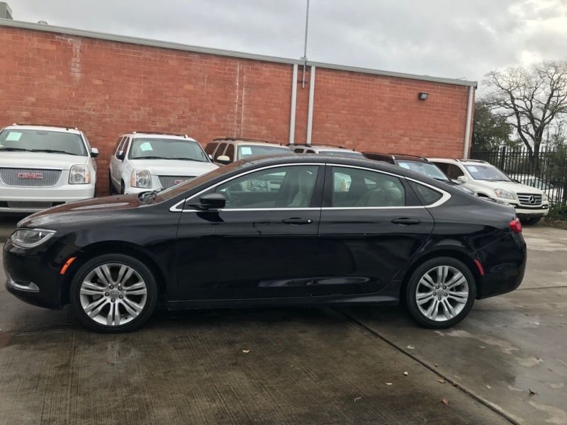 Chrysler 200 2015 price $10,799