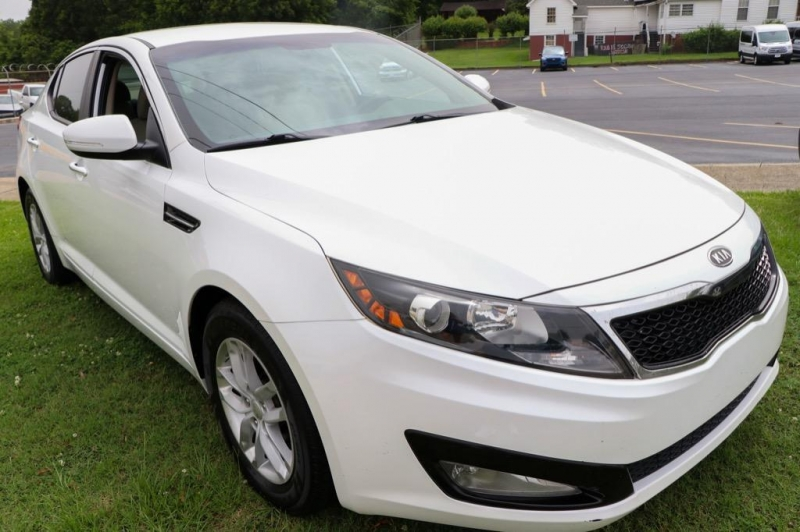 Kia Optima 2012 price $8,995
