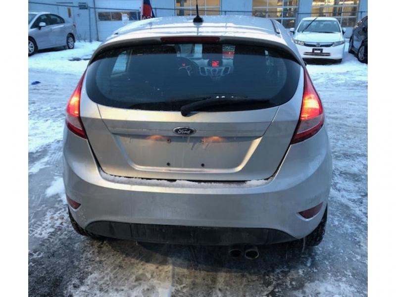 Ford Fiesta 2011 price $5,000