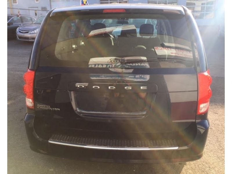 Dodge Grand Caravan 2015 price $9,200