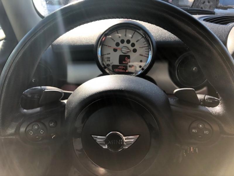 Mini Cooper Hardtop 2012 price $9,100