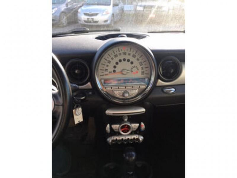 Mini Cooper Hardtop 2010 price $7,000