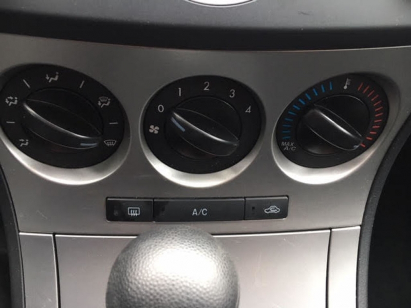 Mazda Mazda3 2010 price $6,000