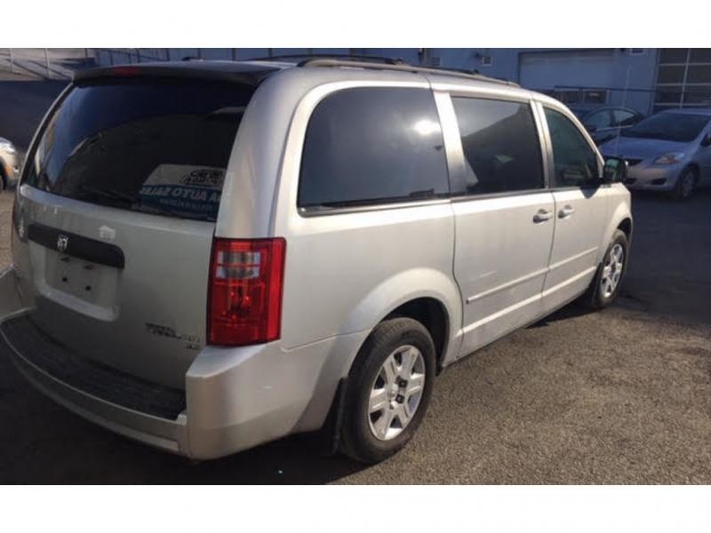 Dodge Grand Caravan 2010 price $7,500