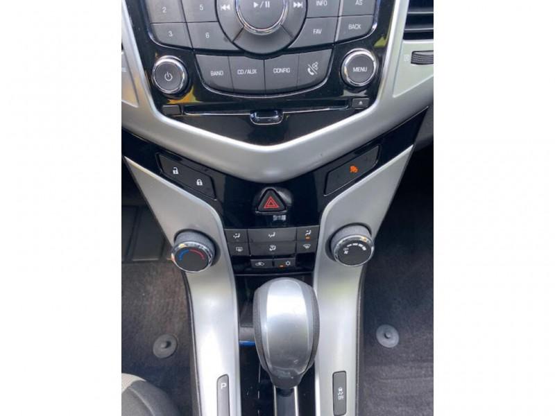 Chevrolet Cruze 2011 price $6,400