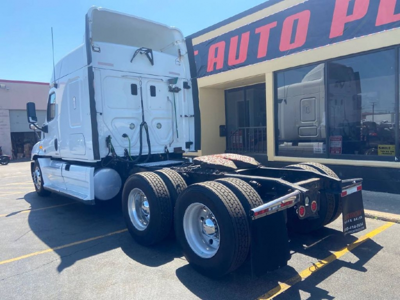 FREIGHTLINER Cascadia 2012 price $24,995