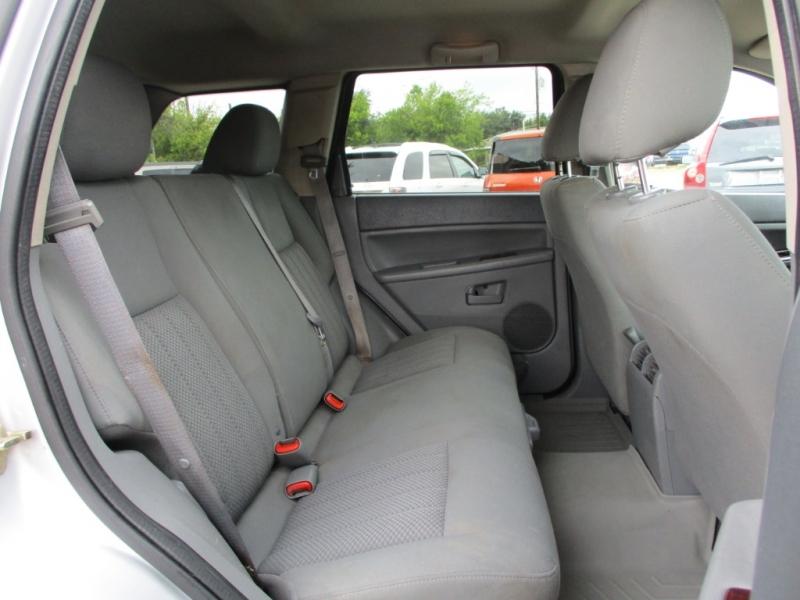 Jeep Grand Cherokee 2005 price $4,295 Cash