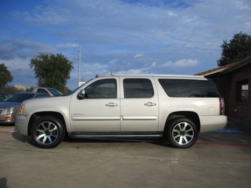 GMC Yukon XL 2007 price $8,495 Cash