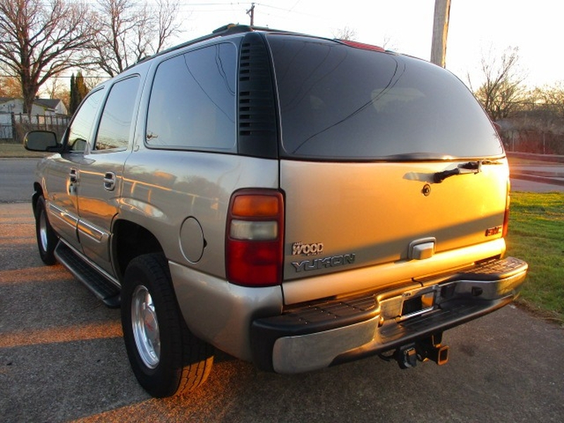 GMC Yukon 2002 price $3,995 Cash