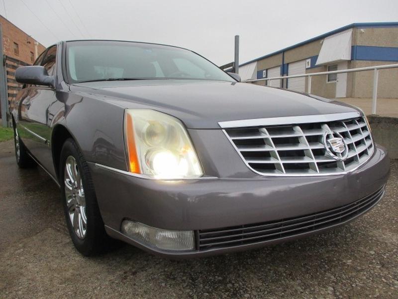 Cadillac DTS 2008 price $7,995 Cash