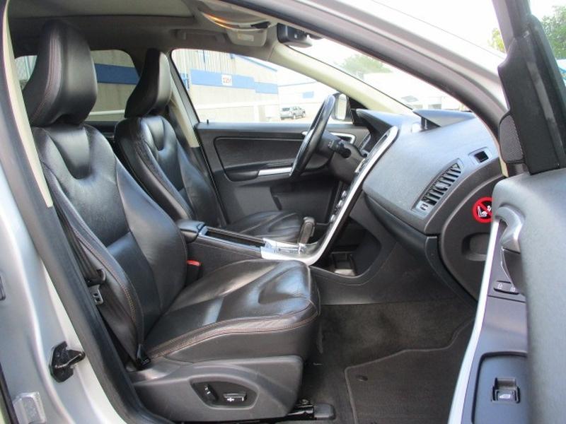 Volvo XC60 2010 price $4,995 Cash