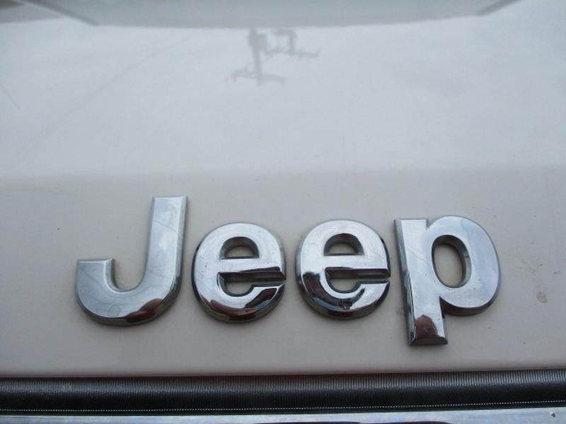 Jeep Commander 2010 price $4,595 Cash