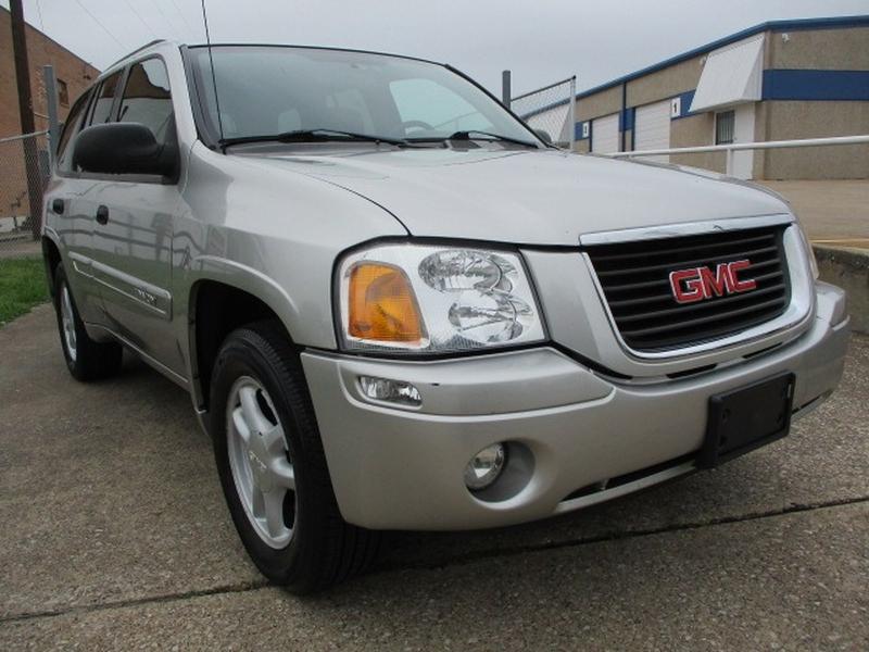 GMC Envoy 2004 price $5,795 Cash