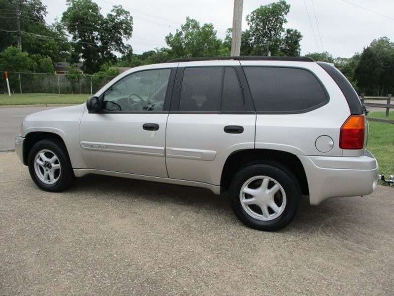 GMC Envoy 2004 price $5,495 Cash