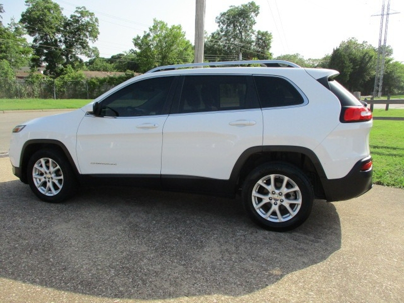 Jeep Cherokee 2015 price $7,995 Cash