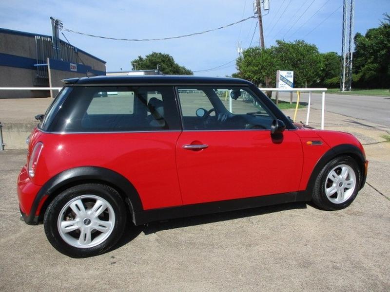 Mini Cooper Hardtop 2006 price $4,995 Cash