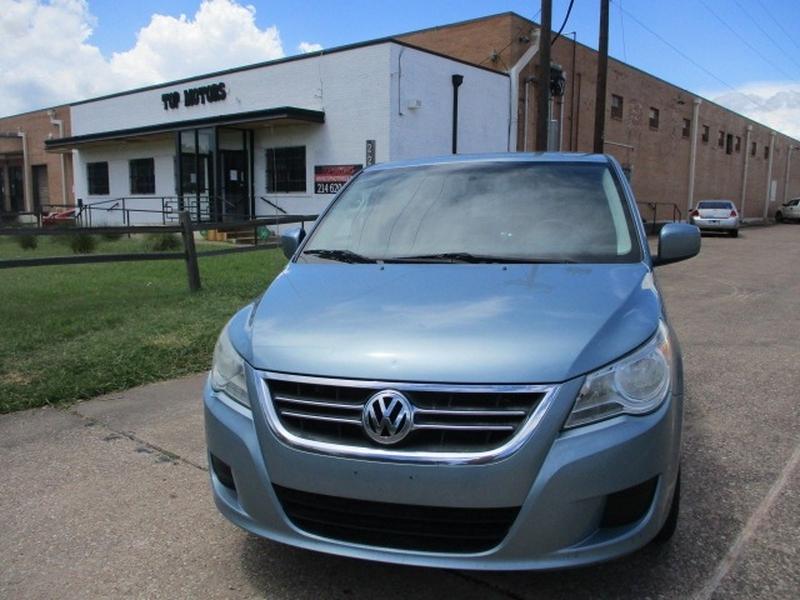 Volkswagen Routan 2010 price $3,995 Cash