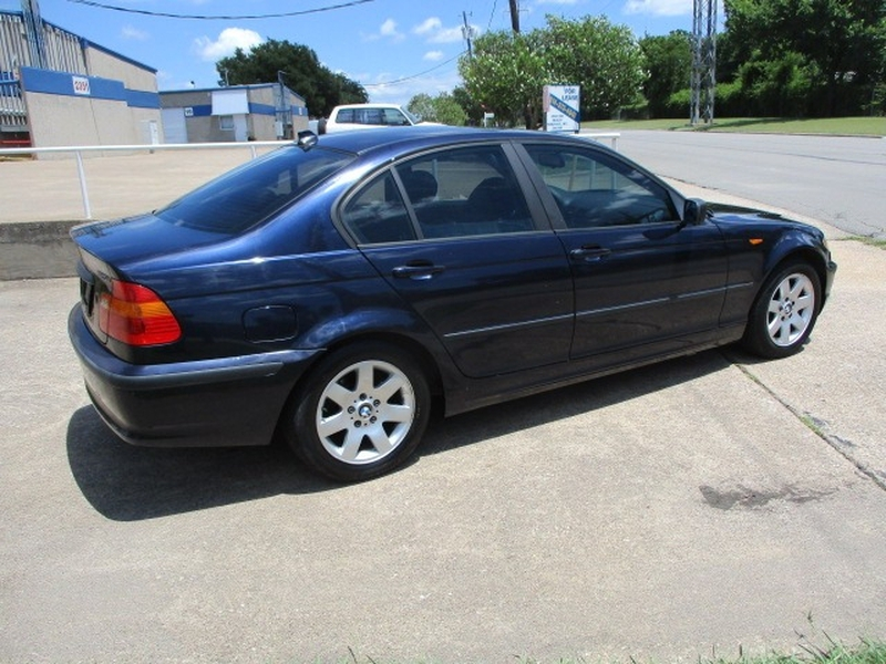 BMW 3-Series 2004 price $3,995 Cash