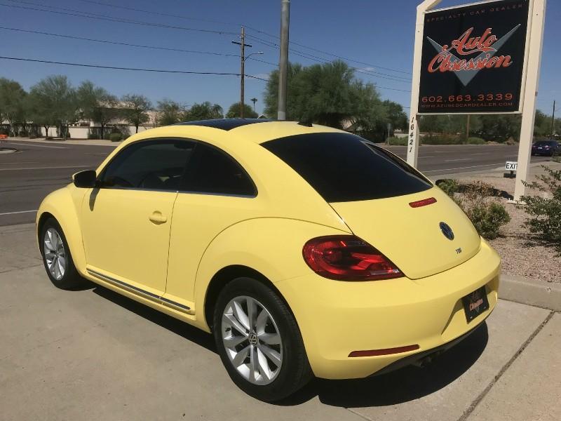 Volkswagen Beetle 2013 price $15,970