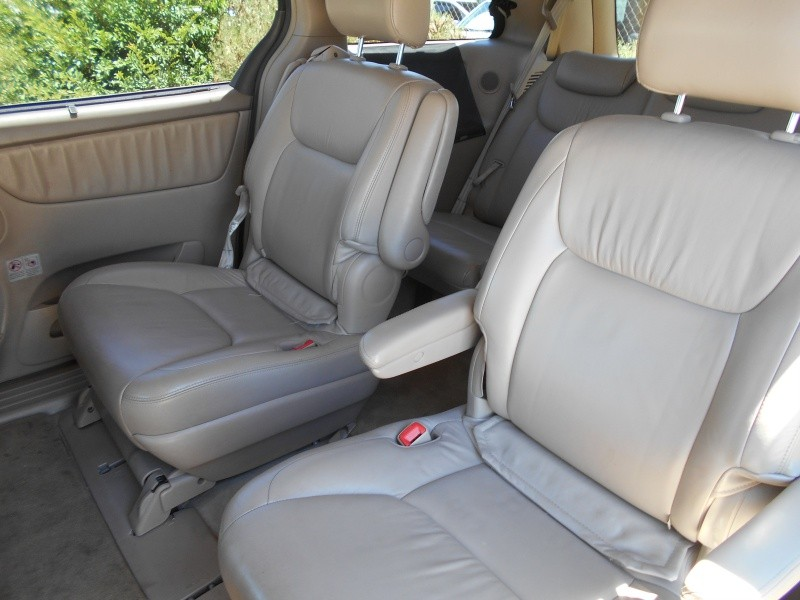 Toyota Sienna 2004 price $4,795