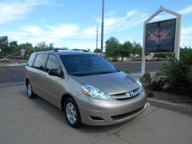 Toyota Sienna 2009 price $5,295