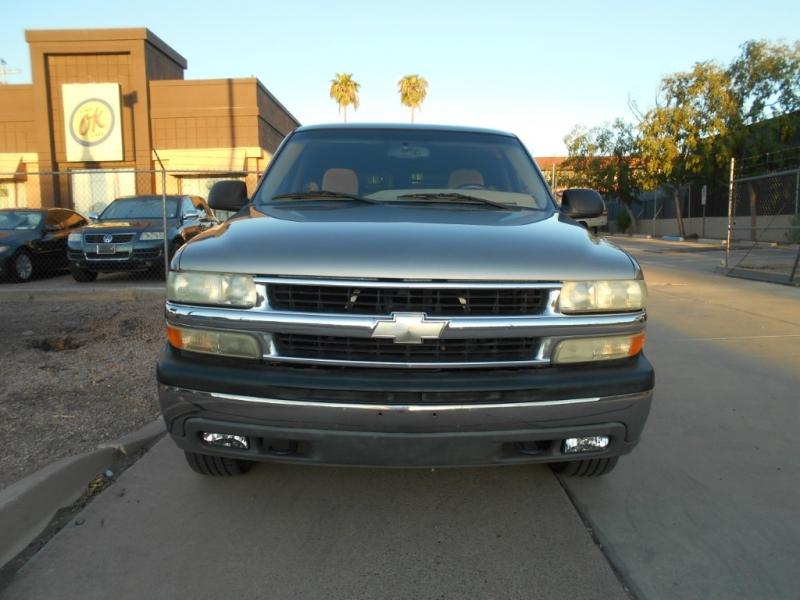 Chevrolet Suburban 2003 price $3,995