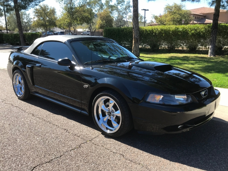 Ford Mustang 2002 price $12,995