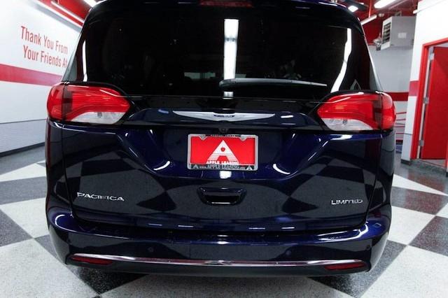 Chrysler Pacifica 2018 price $27,499