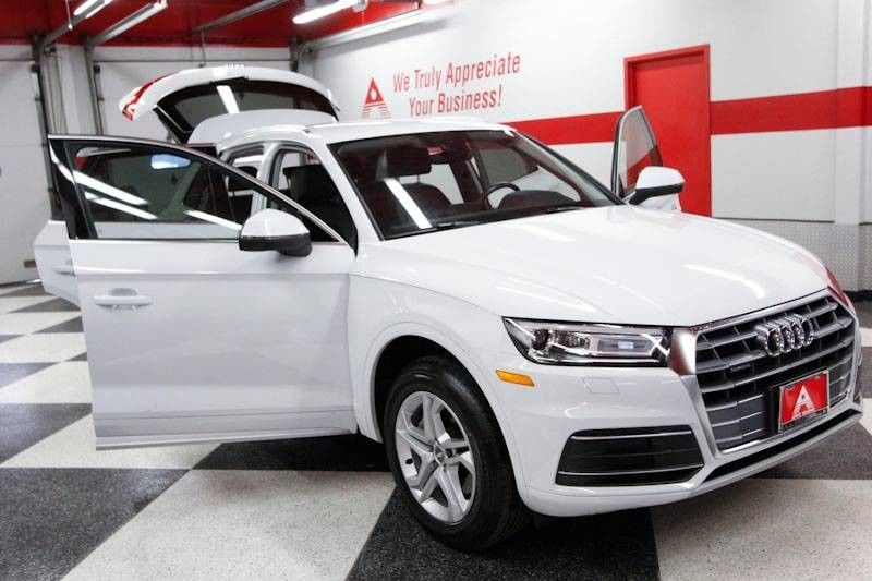 Audi Q5 2019 price $35,498